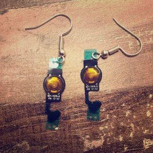 Vintage iPod sensor earrings